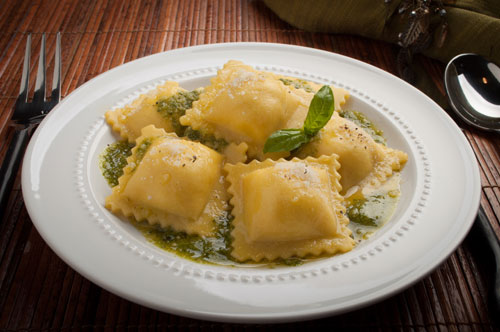 Cheese Ravioli with Basil Pesto